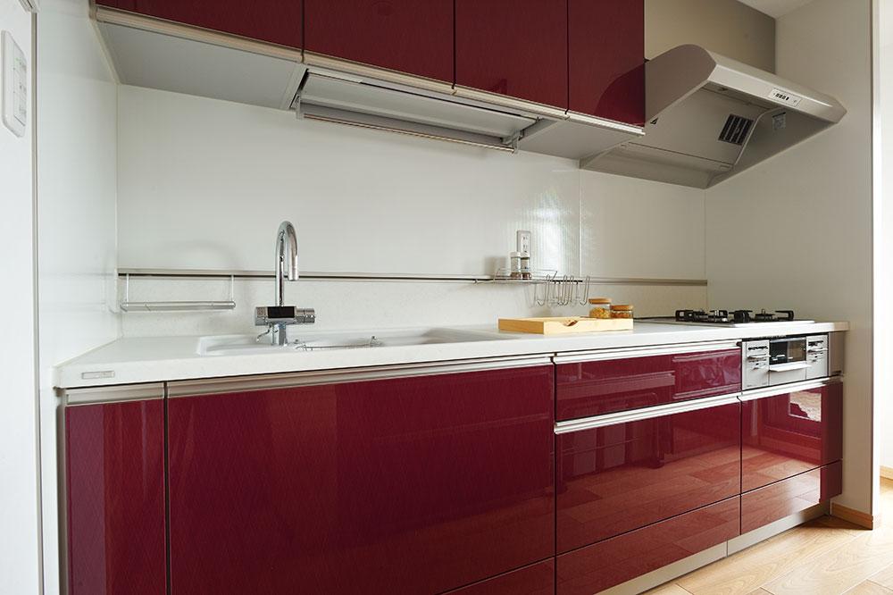 仙台の事例 光を取り込むメゾネットマンションのキッチン