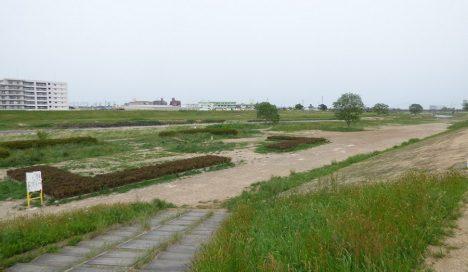 広瀬川の沿いの緑地。自然を感じられる住まいに。